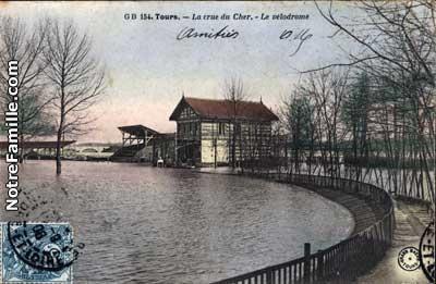 cartes-postales-photos-La-crue-du-Cher-Le-velodrome-TOURS-37000-7728-20071021-b8u9y7s6o5s8v1z5b9x6.jpg-1-maxi[1].jpg
